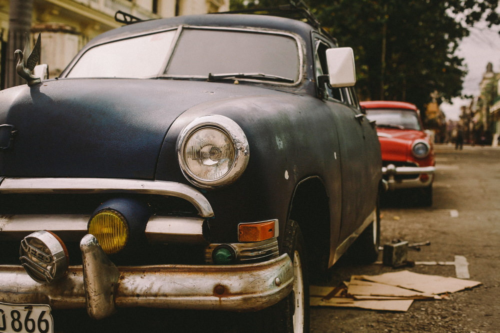 san diego wedding   photographer | old rusted car parked on curb
