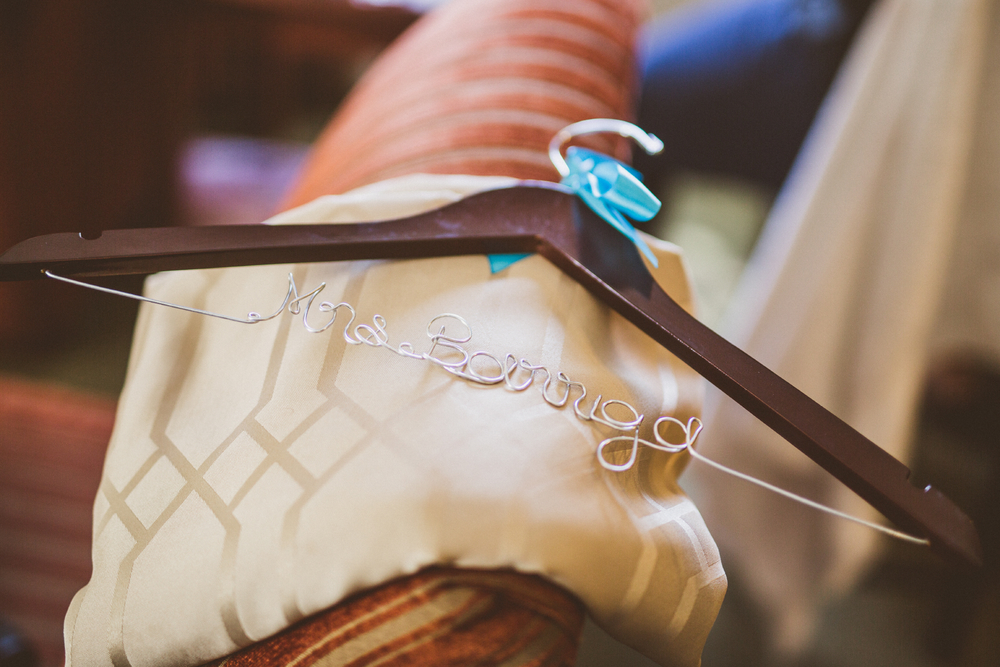 san diego wedding   photographer | clothes hanger with name