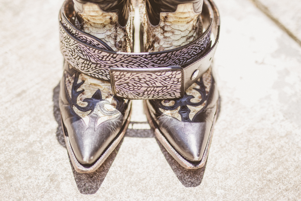 san diego wedding   photographer | snake leather boots and belt