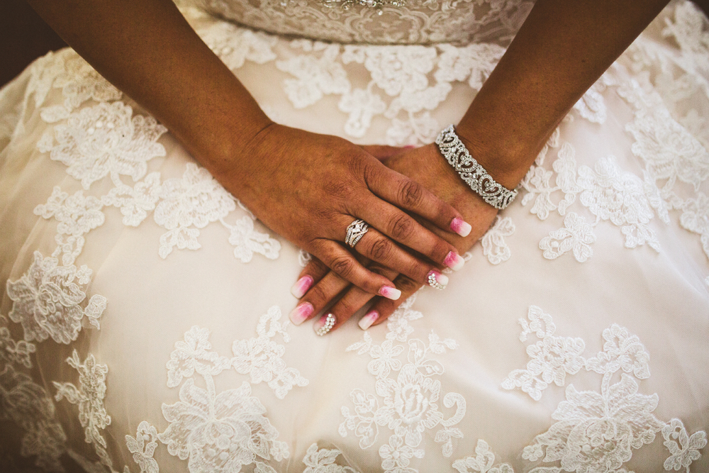 san diego wedding   photographer | bride's hands with rings and bracelet