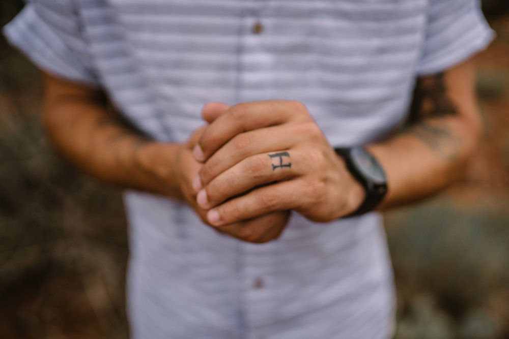 san diego wedding   photographer | man with letter h tattooed on his hand