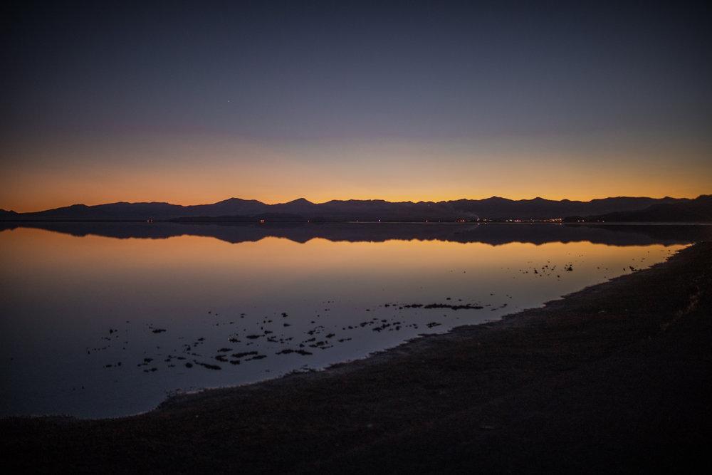 san diego wedding   photographer | bonneville salt flats and shore at sunset