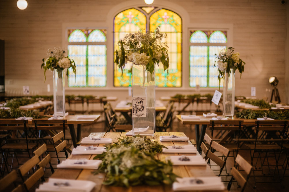 san diego wedding   photographer | table arrangements with white flowers
