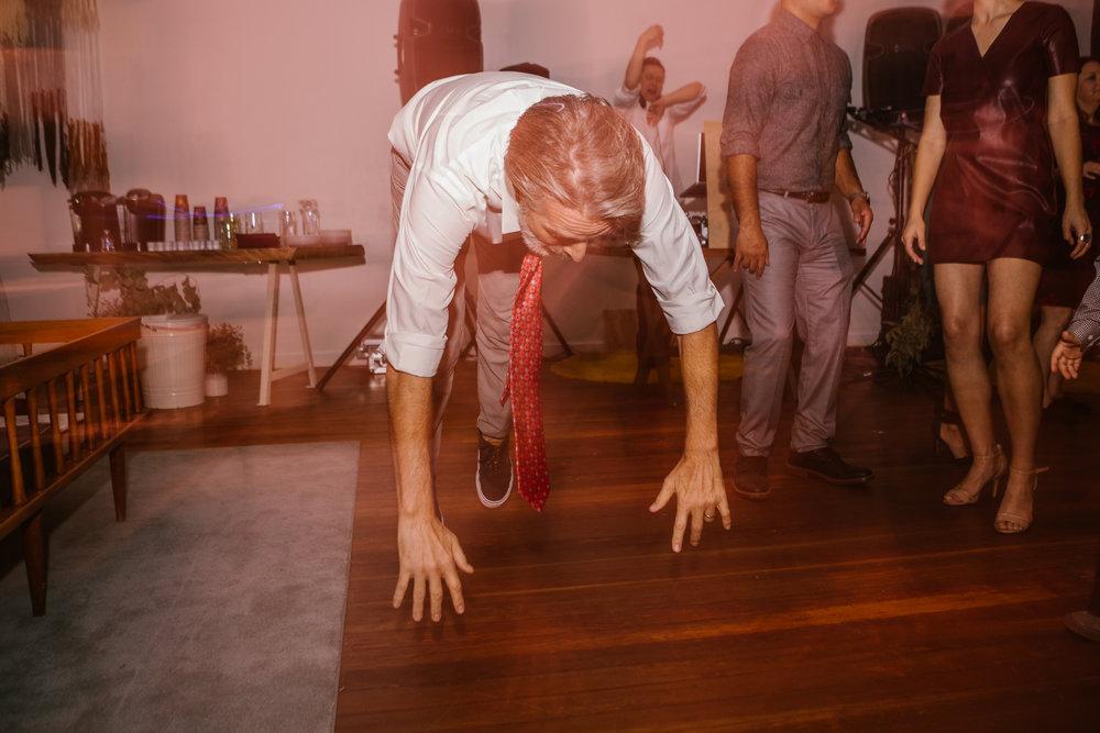 san diego wedding   photographer | man dancing on all fours