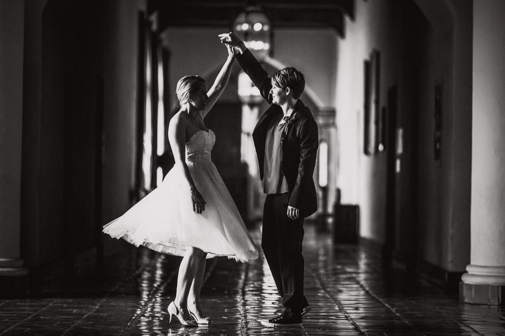 san diego wedding   photographer | women dancing in hallway
