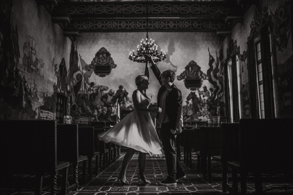san diego wedding   photographer | monotone shot of women dancing in middle of aisle