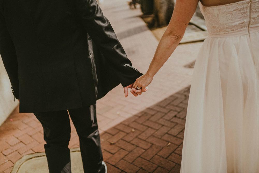 san diego wedding   photographer | lower body shot of women holding hands