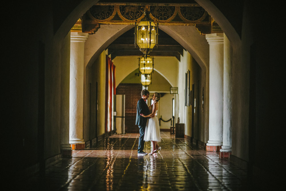 san diego wedding   photographer | women laughing down the hall