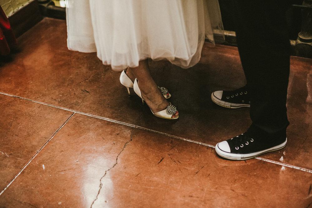 san diego wedding   photographer | lower body of two women
