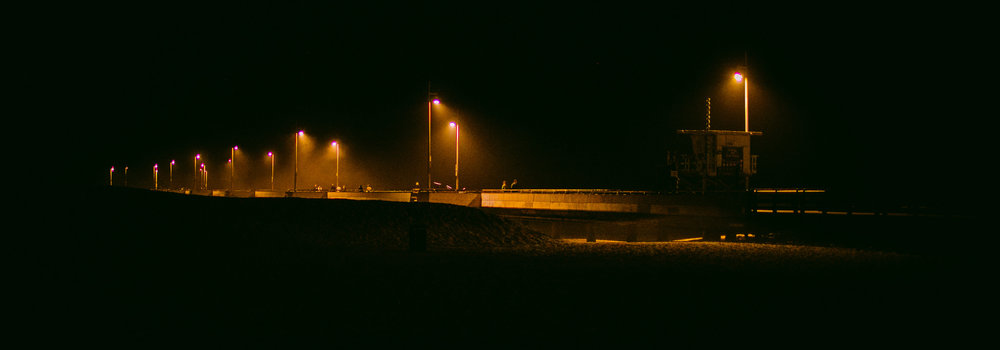 san diego wedding   photographer | low light picture of highway lit by streetlights at night
