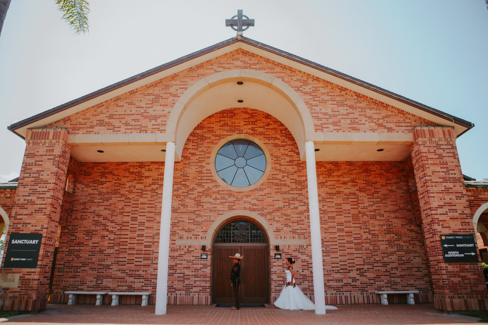 San Diego Wedding Photographer | bride and groom first look at Torrey Pines church