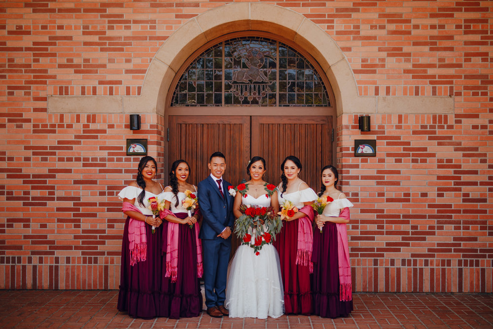 San Diego Wedding Photographer | bride and her bridesmaids and man of honour