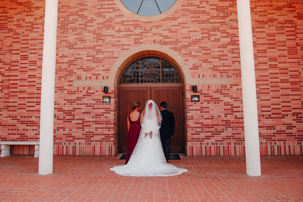 San Diego Wedding Photographer | bride getting ready to walk down the aisle with parents