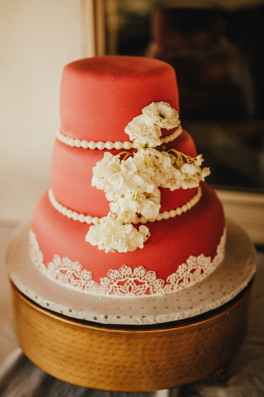 San Diego Wedding Photographer | wedding cake in Montana cielo