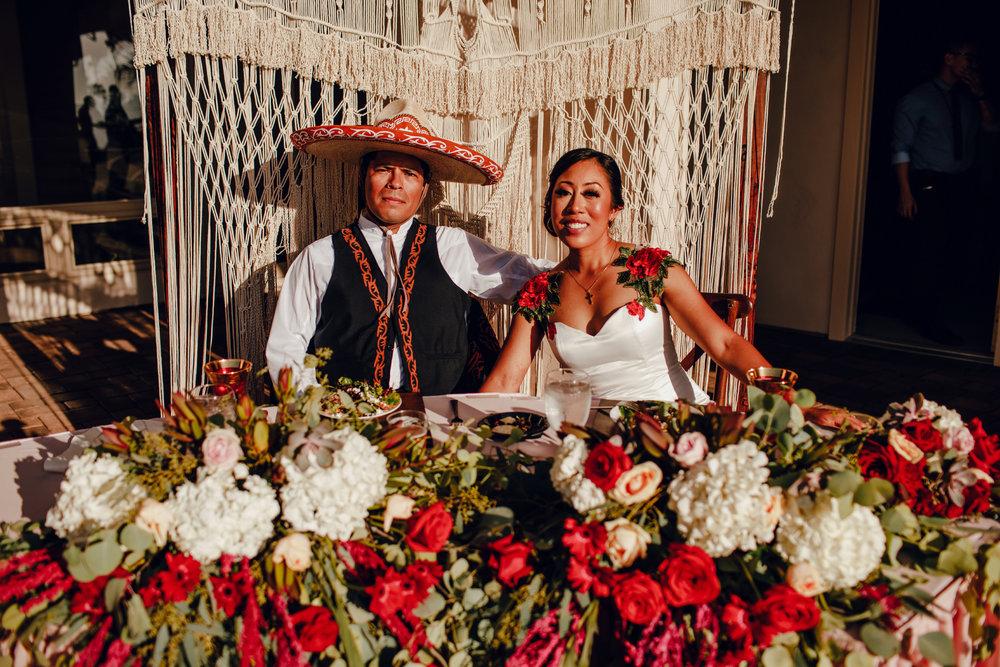 San Diego Wedding Photographer | wedding couple at the sweetheart's table