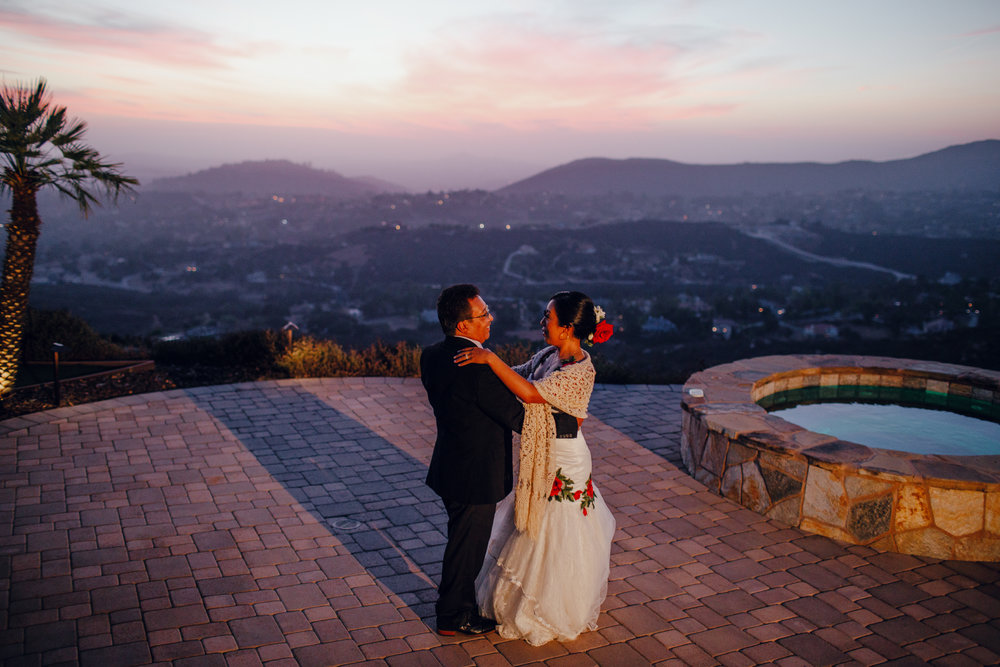 San Diego Wedding Photographer | father and daughter dance