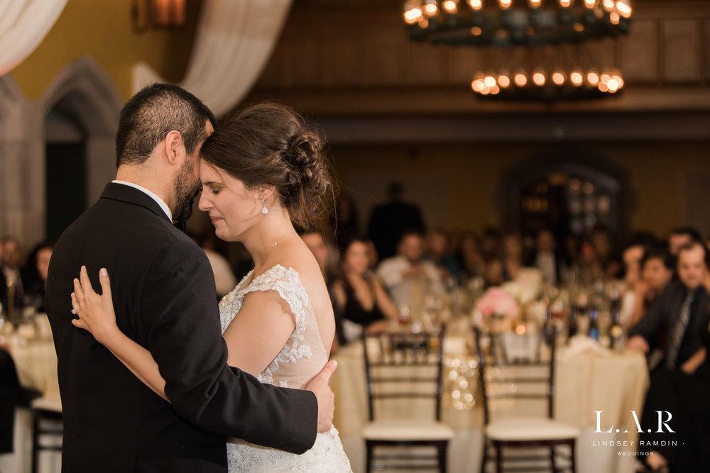 Ohio Wedding Photographer_Lindsey_Ramdin_Glenmoor-44.jpg
