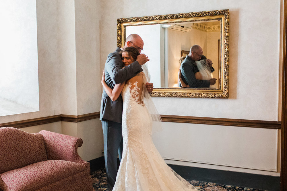 lar_weddings_Youngstown_Wedding_Photographer