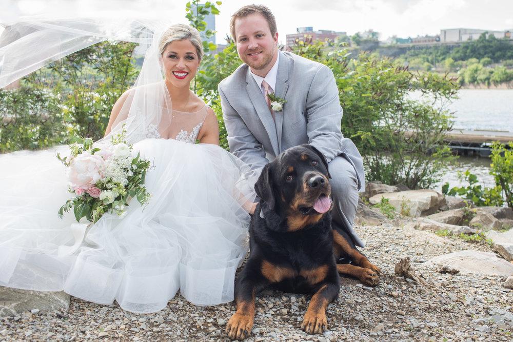 Pittsburgh Wedding Photographer_LAR Weddings