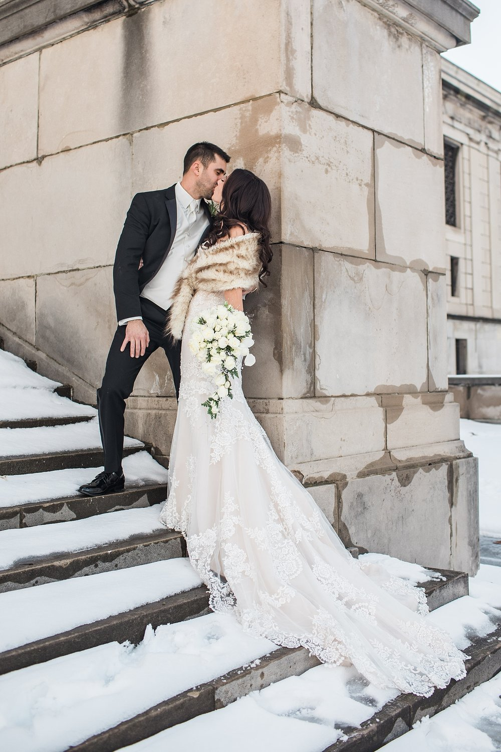 Youngstown Ohio Winter Wedding at Stambaugh Auditorium