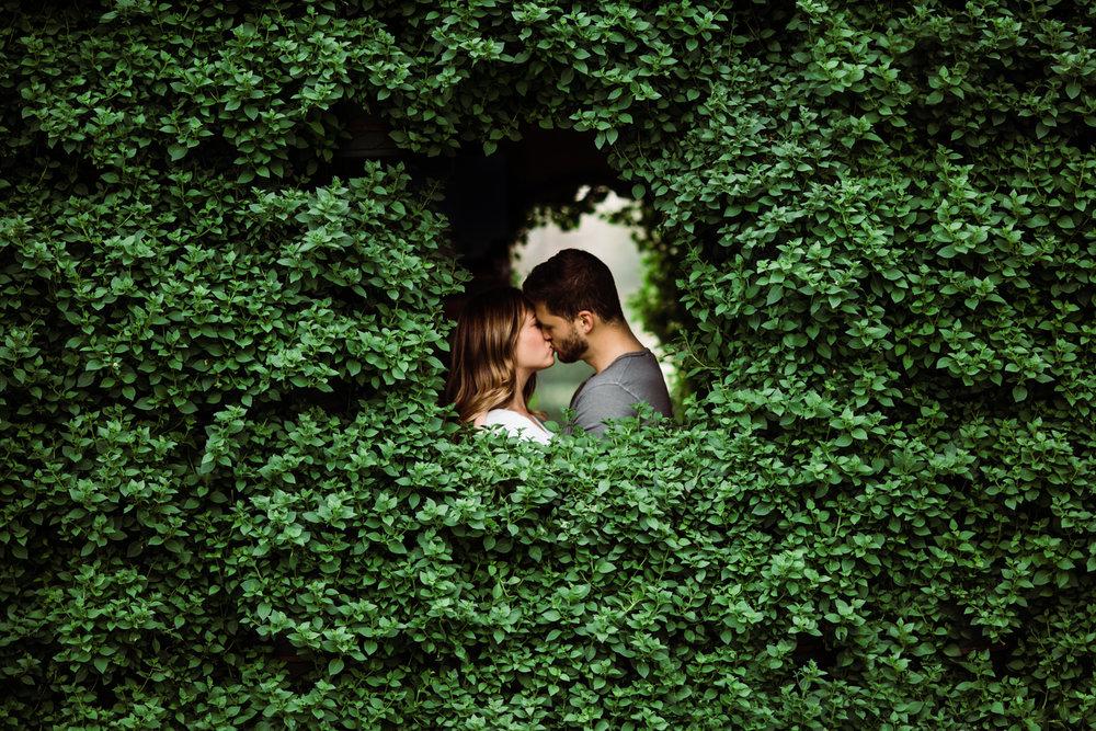 Dallas-Texas-Arboretum-Engagement-Session-L.A.R. Weddings-Lindsey-Ramdin-7.jpg
