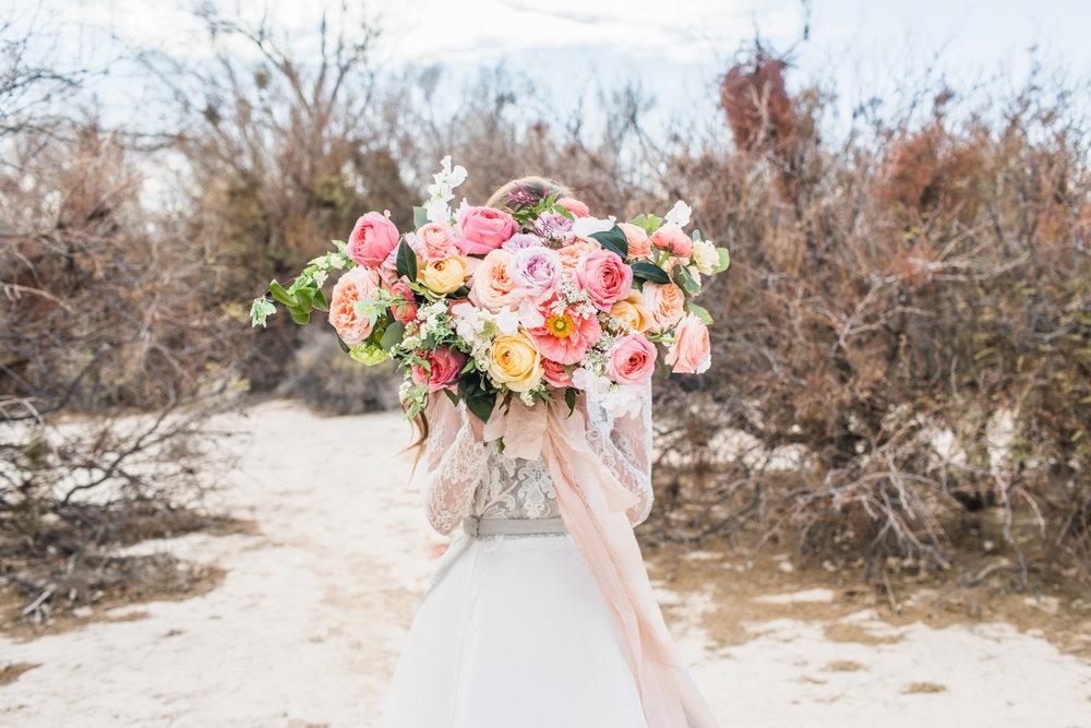 LAS-VEGAS-wedding-L.A.R. Weddings-Lindsey-Ramdin-3.jpg