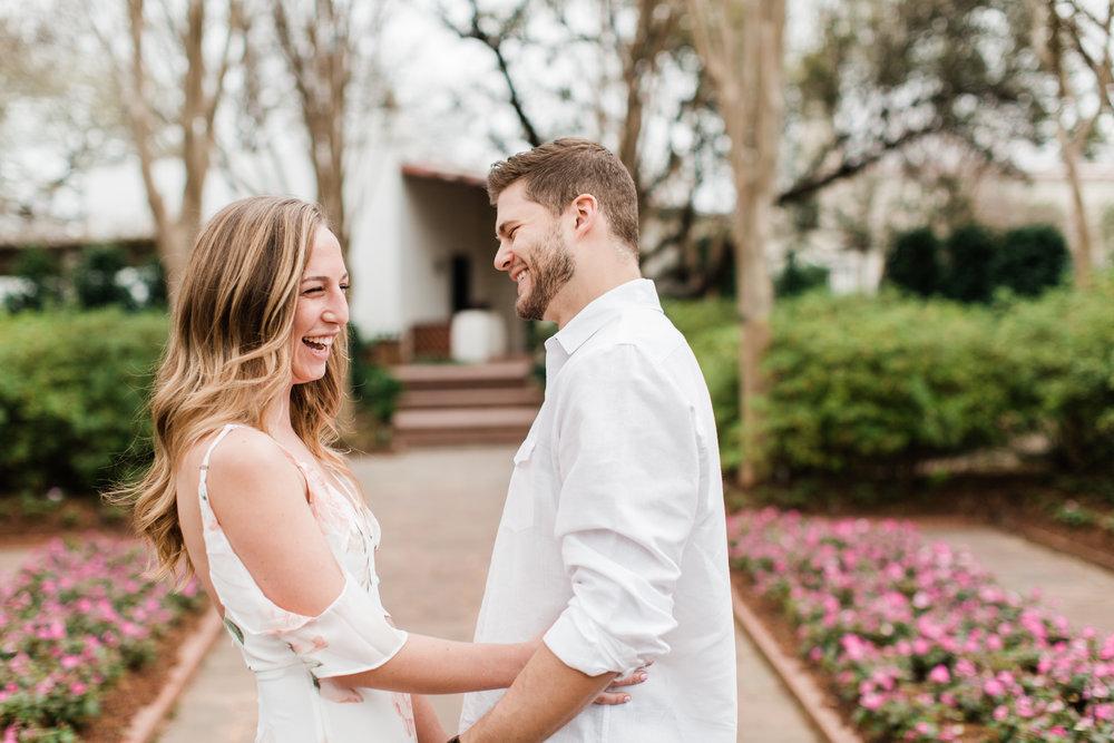 Dallas-Texas-Engagement-Session-Dallas-Arboretum-L.A.R.Weddings-Lindsey-Ramdin-3.jpg