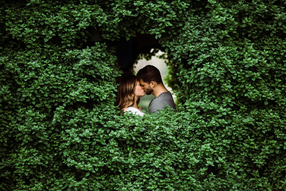 Dallas-Texas-Engagement-Session-Dallas-Arboretum-L.A.R.Weddings-Lindsey-Ramdin-22.jpg