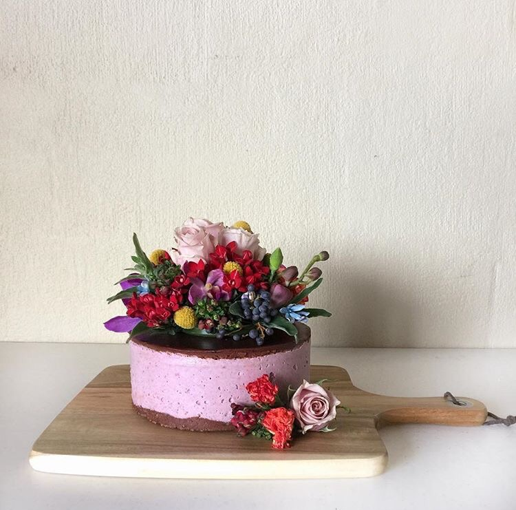 Flowers by Rhi, Cake by  Raw Harvest