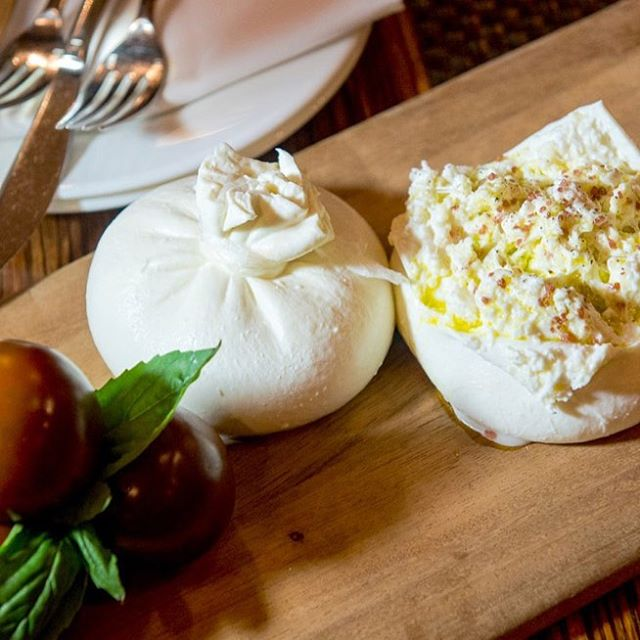 Come and learn to make fresh Burrata cheese with Trystan in the demo kitchen @_nykitchen October 14th at 5pm in Canandaigua! $65 per person.  Trystan is also teaching wine and cheese pairing classes this fall.  Link in bio!