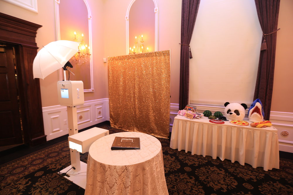 The best luxe photobooth experience for your NJ wedding!