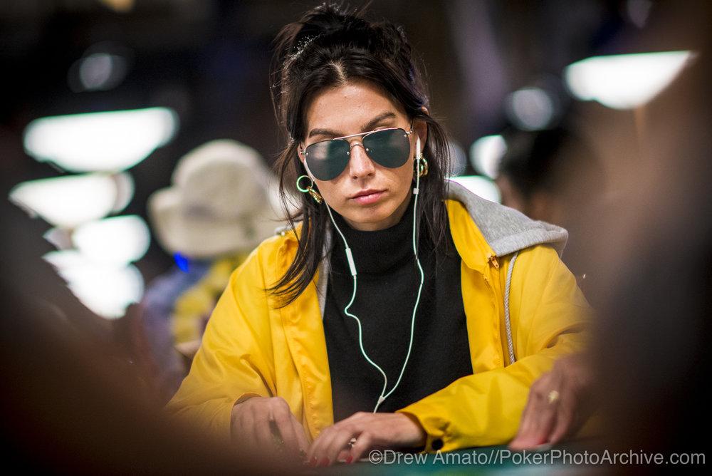 Safiya Umerova_2017 WSOP_EV010_Day 3_Amato_DA69843.jpg