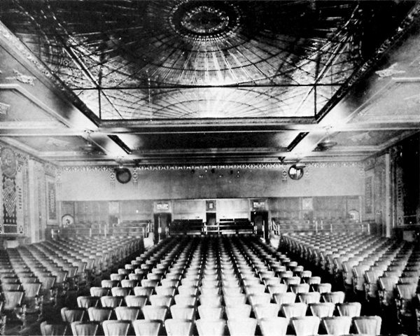 Dominion Theatre, Interior