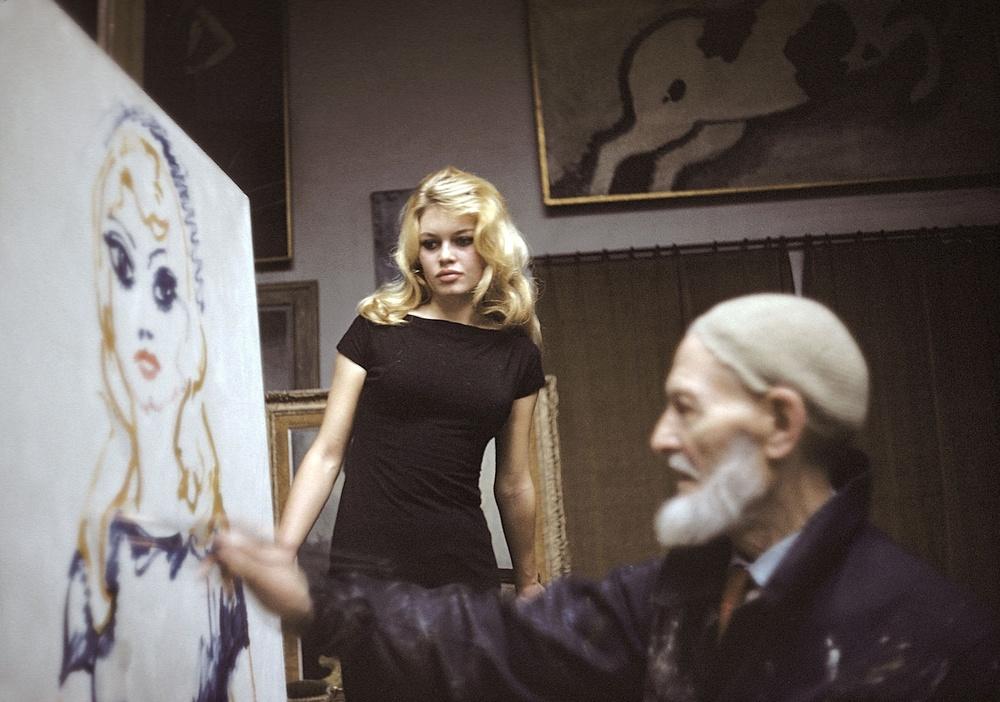 Kees Van Dongen paints a posing Brigitte Bardot