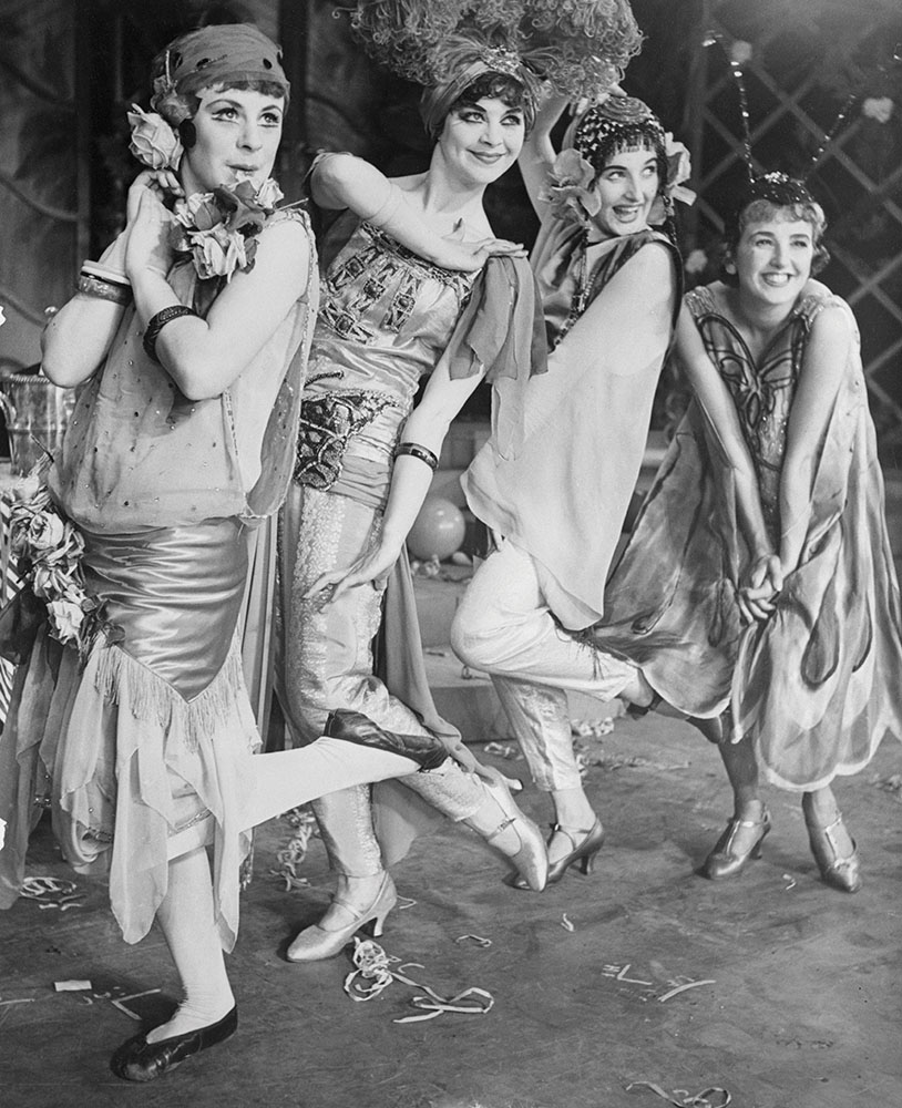 Dancing flapper girls