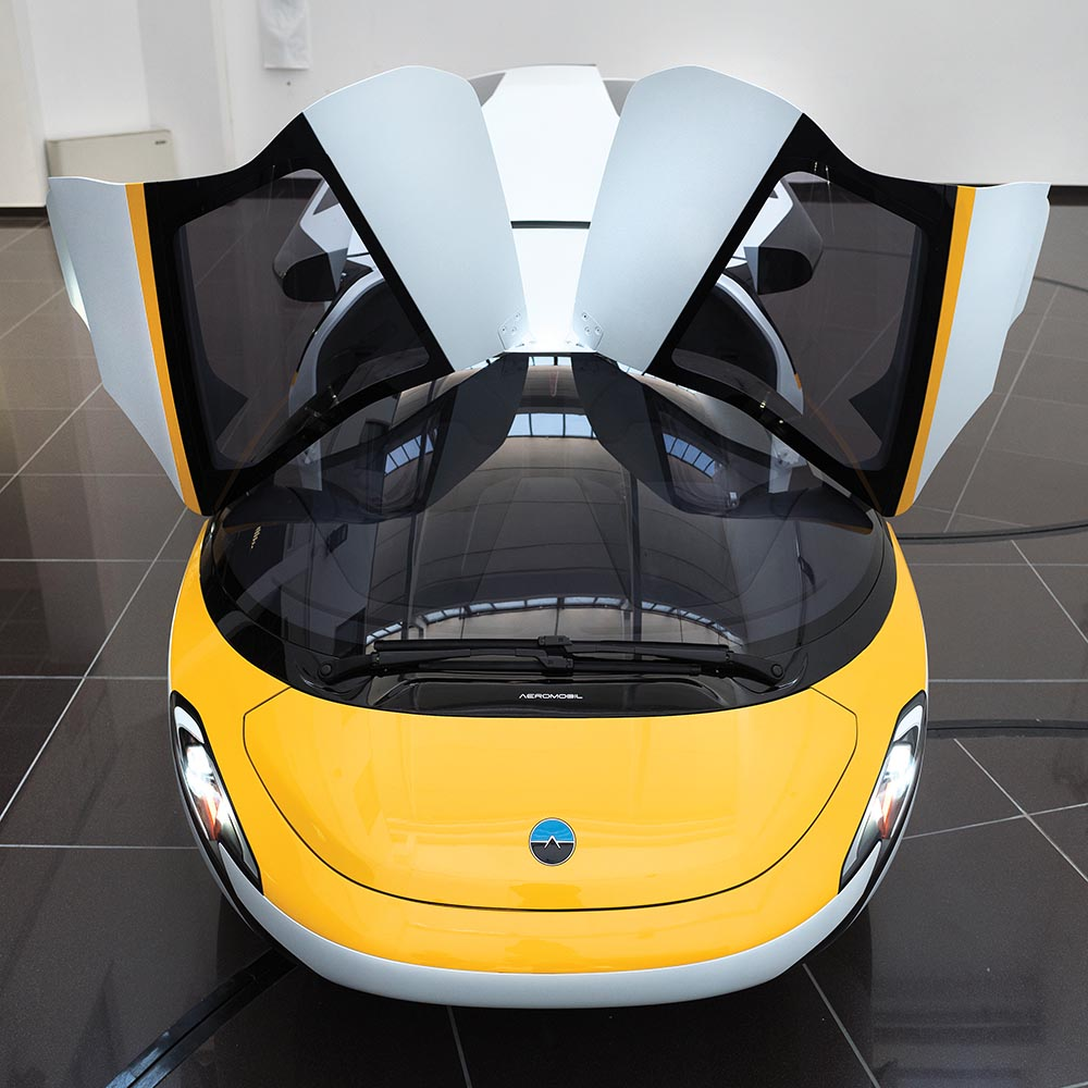 By 2020, the AeroMobil aims to take to the road – and the skies_2.jpg