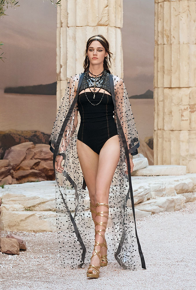 Look from the resort 2018 collection, Chanel