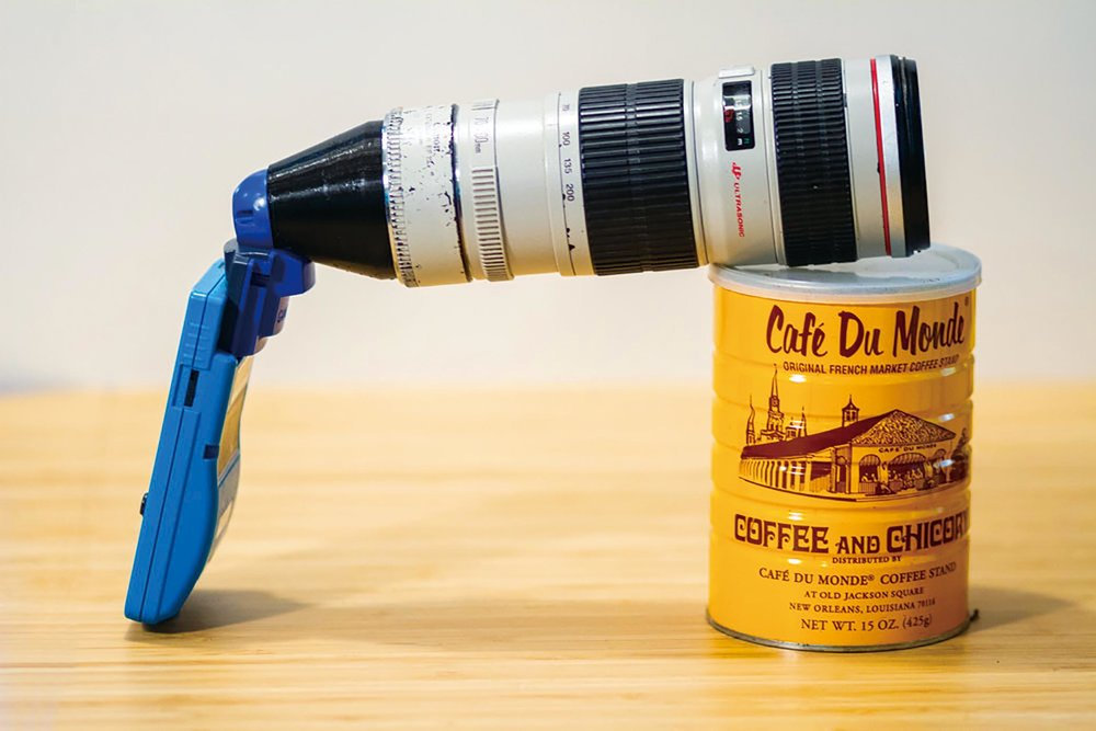Bastiaan Ekeler designed and built a Canon EF lens mount for his Game Boy Camera.