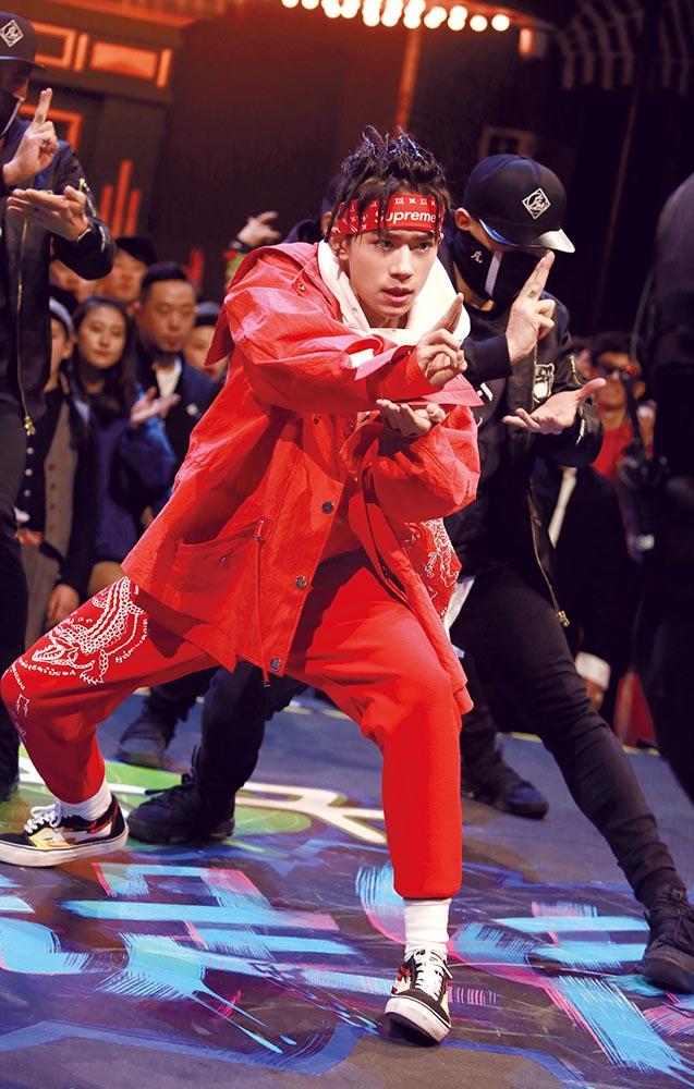 Artist Jackson Yee wears Angel Chen on the 2018 TV series Street Dance of China