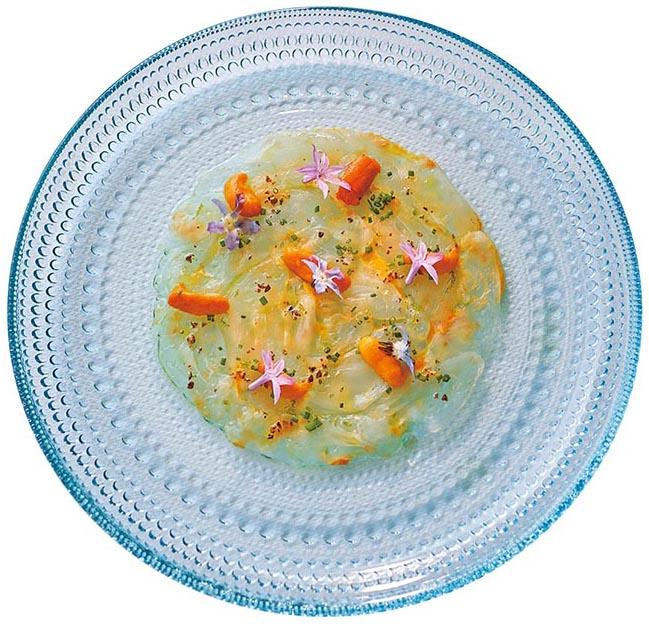 Grey mullet carpaccio and sea urchin