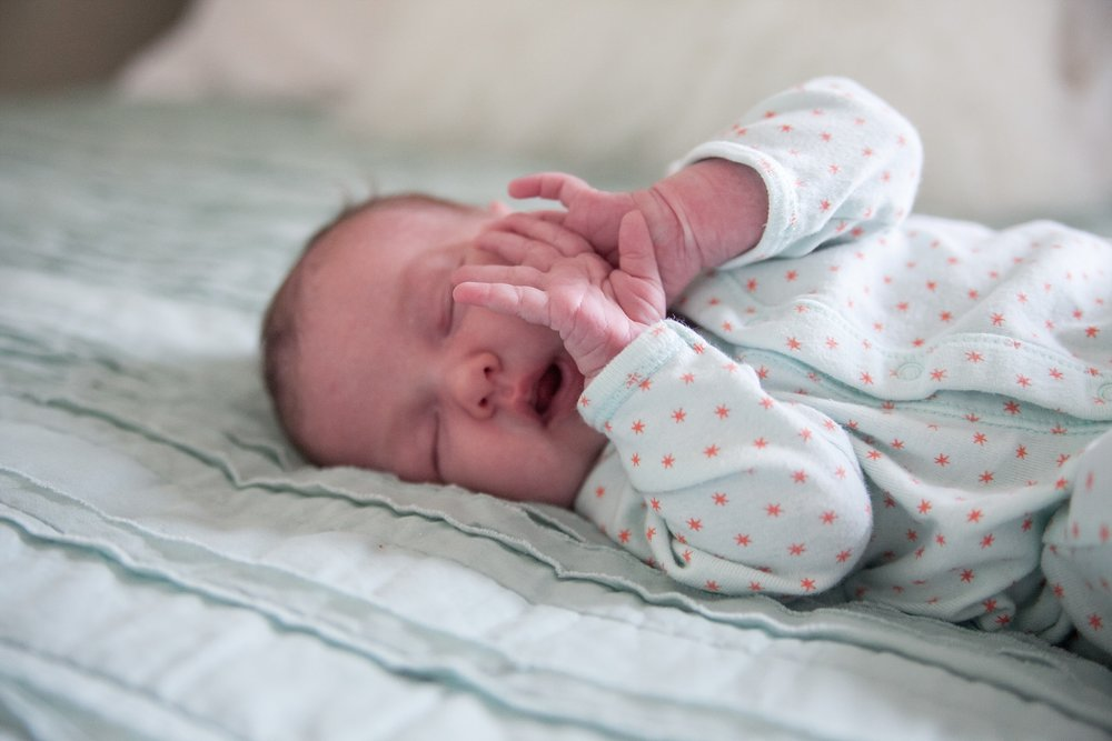 unposed newborn photography in chicago_0010.jpg