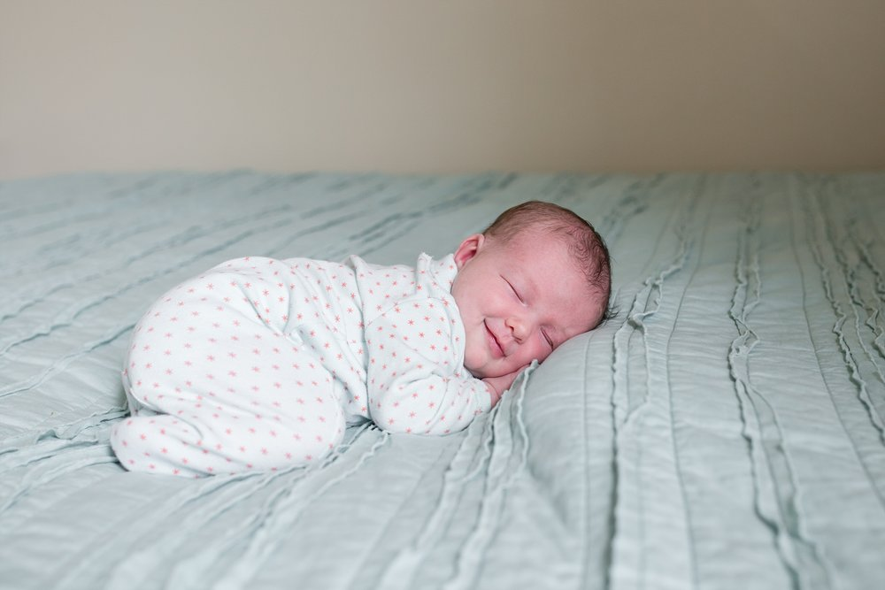 unposed newborn photography in chicago_0014.jpg