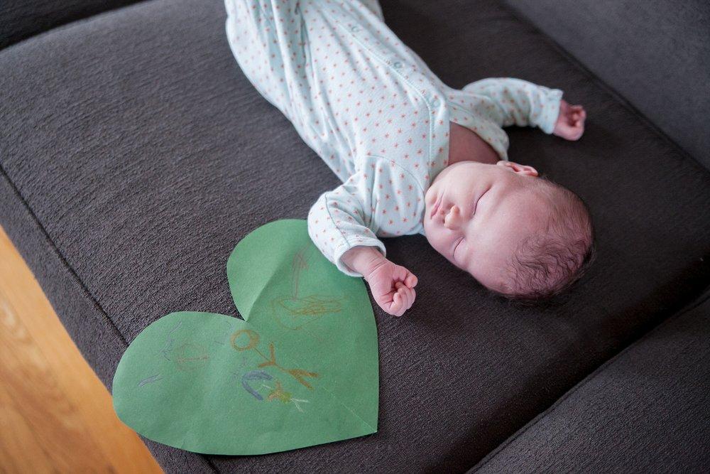 unposed newborn photography in chicago_0022.jpg