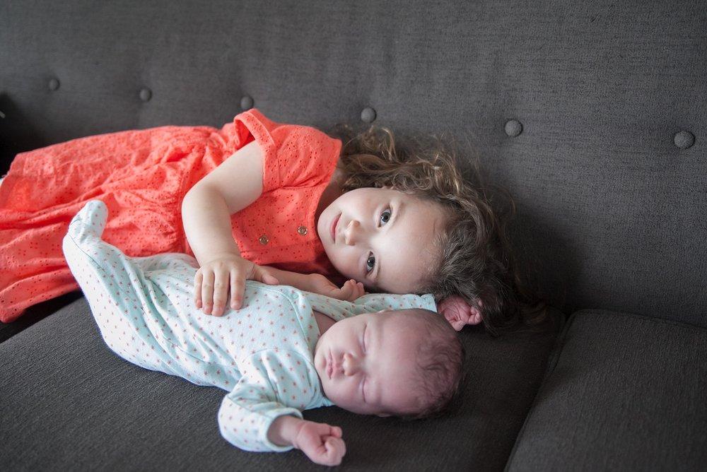 unposed newborn photography in chicago_0023.jpg