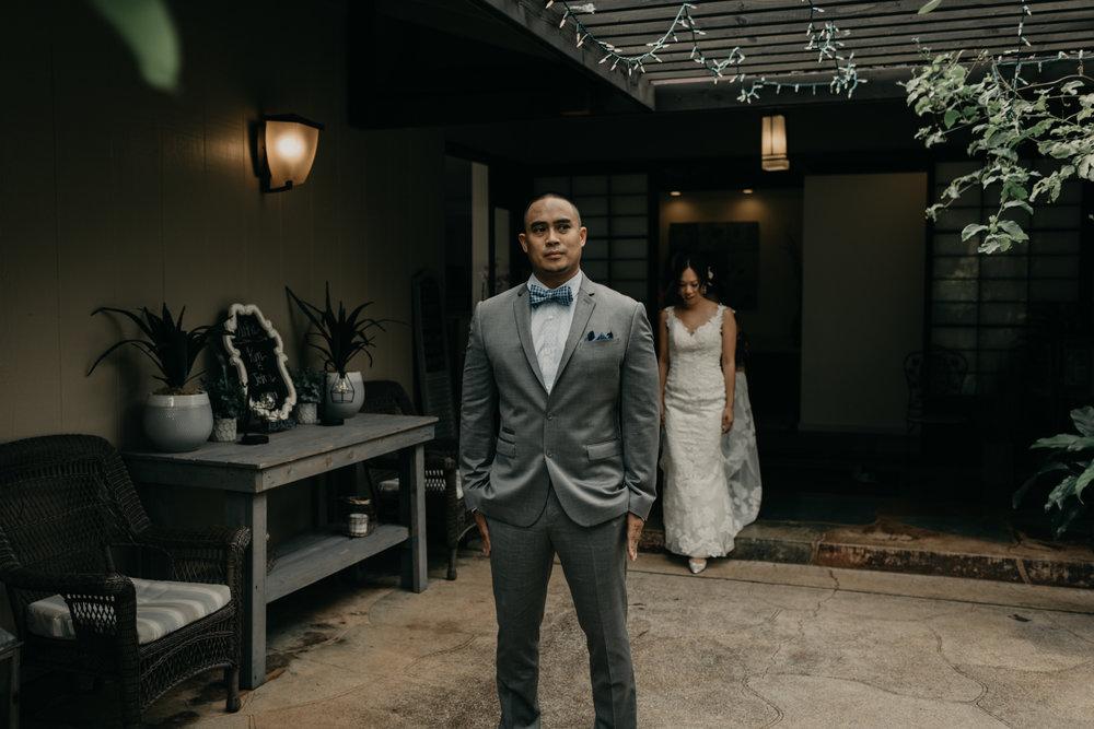 First Look-Oahu Estate Wedding