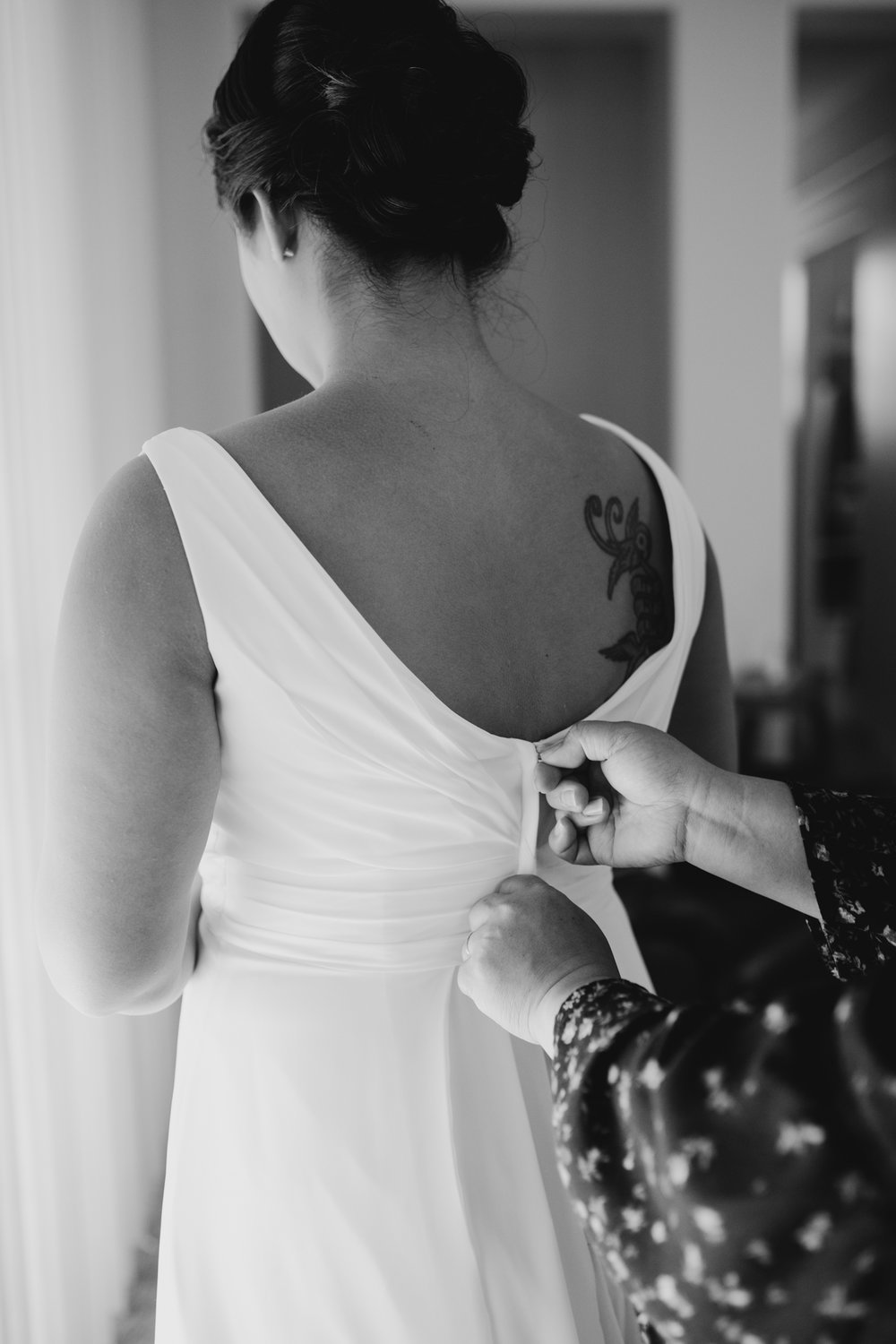 black and white getting ready wedding