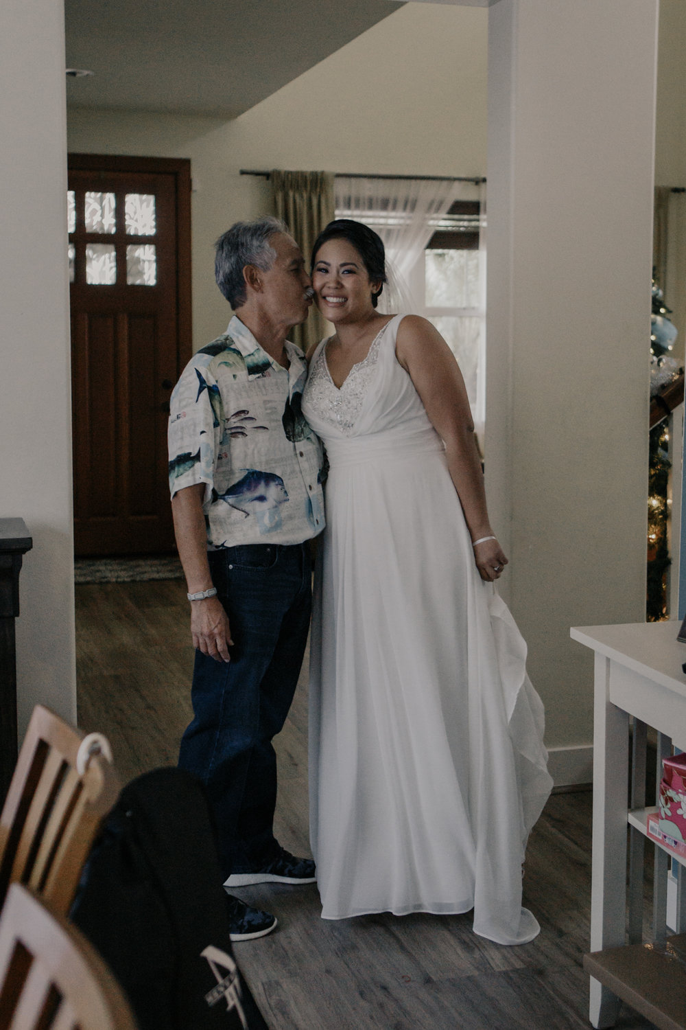 Bride and dad before the wedding