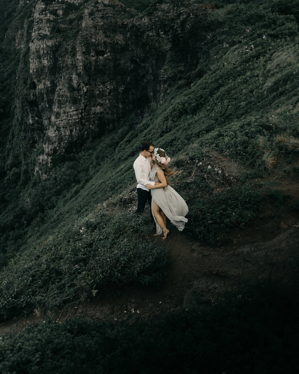Crouching Lion Hike Elopement by Hawaii Wedding Photographer Desiree Leilani