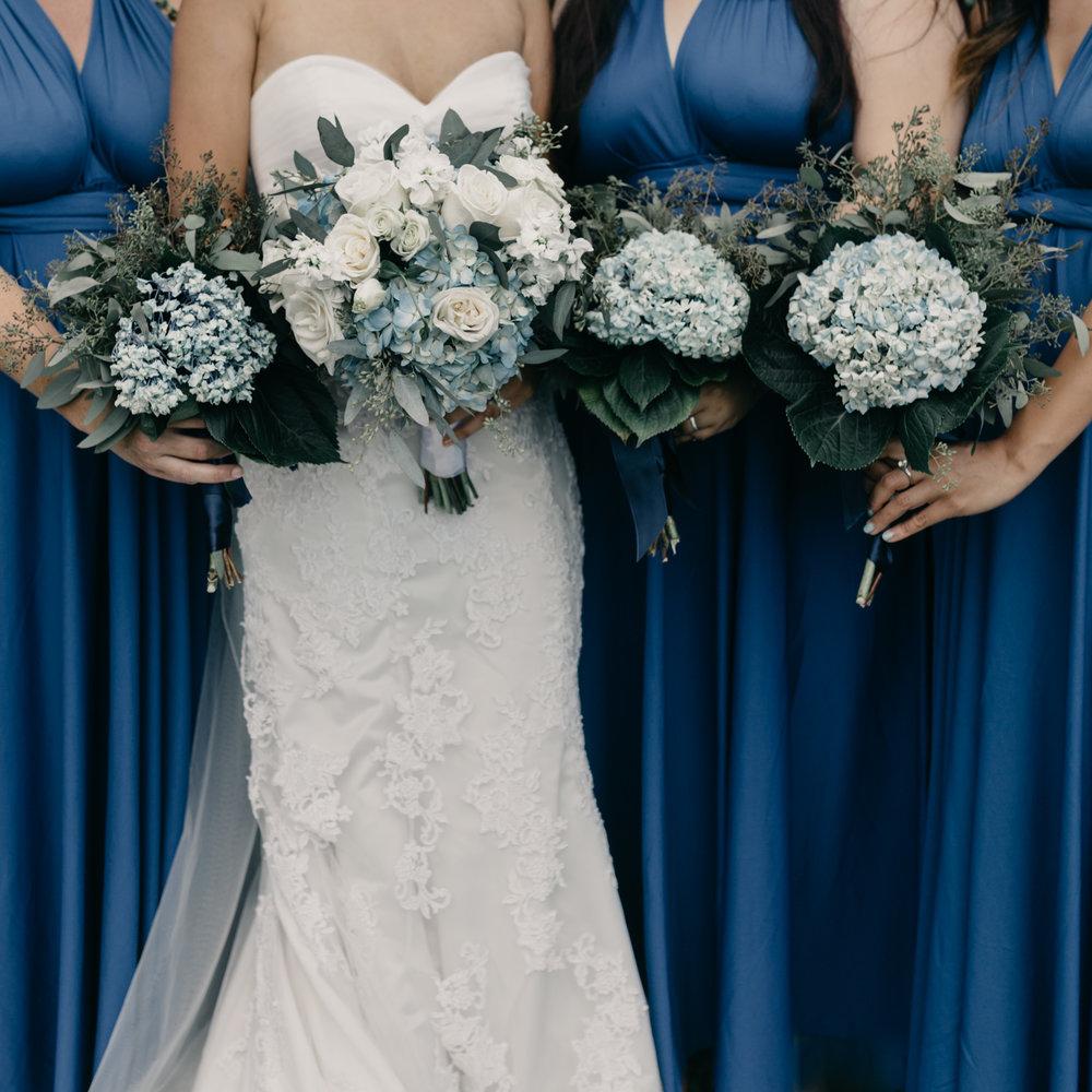Bridesmaid details at Kualoa Ranch Paliku Gardens. Photography by Hawaii fine art wedding photographer Desiree Leilani