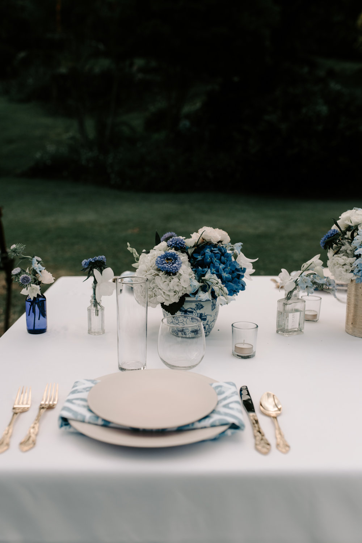 Beautiful tablescape and flowers for wedding reception at Kualoa Ranch Paliku Gardens. Photography by Hawaii fine art photographer Desiree Leilani